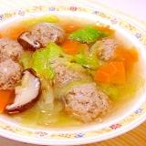 レタスと春雨の肉団子スープ