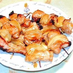 魚焼きグリルで!豚ロースブロックの焼き鳥風豚タマ串