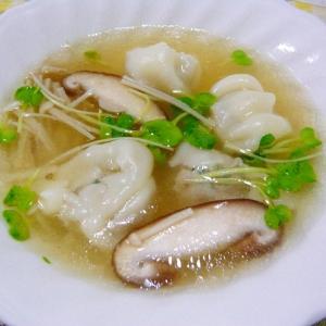 ❤ 椎茸&カイワレ&えのき入りスープギョーザ ❤