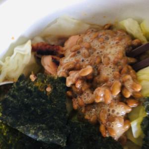 キャベツの納豆鮭サラダ