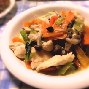 鶏胸肉とちんげん菜のナンプラー炒め