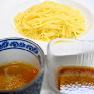 別盛りで2種類のタレを楽しむ!冷やし中華つけ麺風