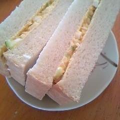 手軽に♪彩りサンドイッチ