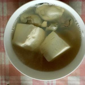 牡蠣と絹ごし豆腐の鍋