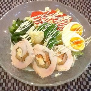 キムチ入りチキンロールのサラダ冷麺