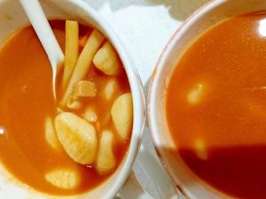 ニョッキとマカロニのトマトスープ