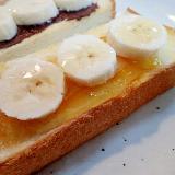 マーマレードジャムとバナナのトースト