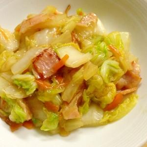 白菜とベーコンの炒め物