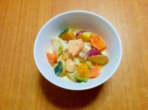 秋の味覚がいっぱい♪鮭とお芋の甘煮