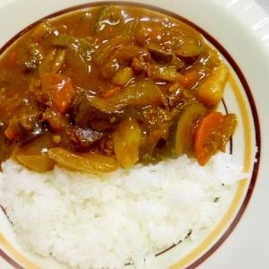野菜たっぷりとカレー粉で作る☆カレーライス☆
