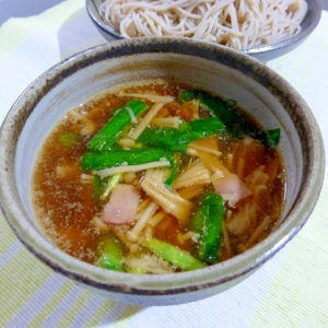 えのきとニラとベーコのつけ汁(蕎麦)