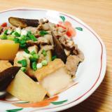 豚肉とじゃがいもとごぼうと絹揚げの煮物