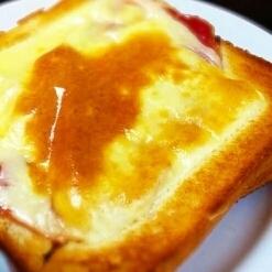 チーズハムトースト