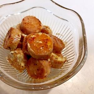 簡単おつまみ☆魚肉ソーセージのピリ辛マヨ炒め