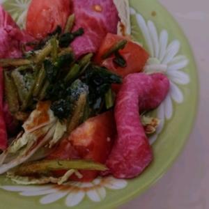 ローストビーフとほうれん草サラダ
