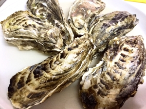 フライパンで簡単に作る牡蠣の酒蒸し