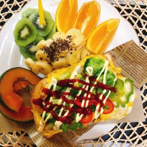 トロトロ卵でオープンオムレツのカフェ風♡トースト