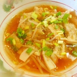 もやしたっぷり~餃子とキムチのスープ