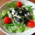 海藻サラダを入れて、レタス とアスパラのサラダ