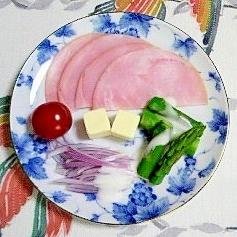 赤玉葱とアスパラのミニサラダ~♫