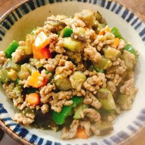 夏野菜とひき肉の味噌マヨ炒め