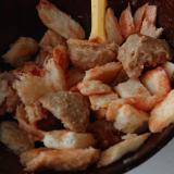 オーロラソースで肉団子とパン炒め
