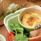 ヘルシーで簡単!れんこんパウダーで作る豆腐グラタン