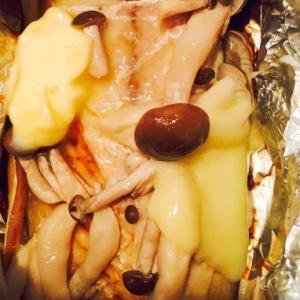 サバとしめじと新玉ねぎのホイル焼き