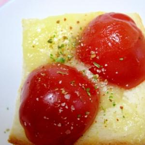 ミニトマトのトースト