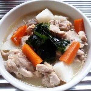鶏ガラスープの素で簡単具だくさんスープ♪