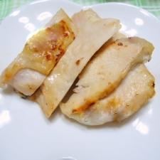 フンワリ柔らか鳥胸肉の塩麹漬けグリル