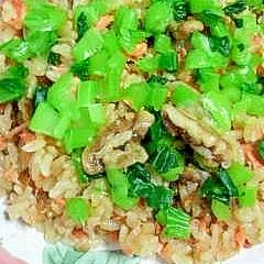 鮭とくるみの炊き込みご飯