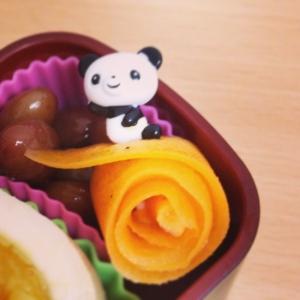 お弁当に♪子供が人参を食べた!可愛いお花のピック