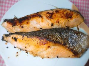 フライパンで!冷凍塩鮭の焼き方