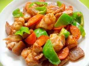 鶏もも肉とこんにゃくの中華みそ炒め