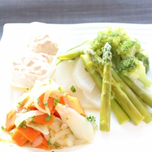 マ・ローニエプロ☆二段調理♪蒸し野菜サラダとマリネ