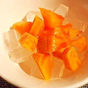 旬を楽しむ 梅酒をかけて♪ 柿と寒天デザート