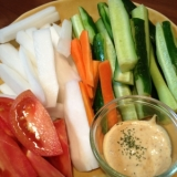 野菜スティックは和風ディップソースでどうそ ۬৺۬
