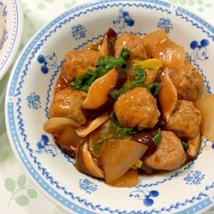 肉団子のケチャップ炒め