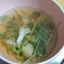豆苗とまいたけの和風スープ