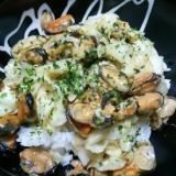 ムール貝とキャベツのガリバタ醤油丼