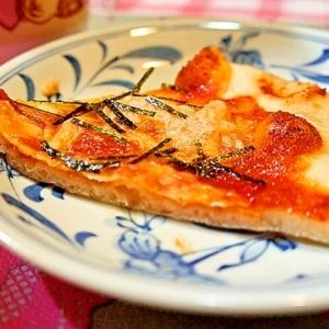 パスタソースdeあっという間にピリッと美味しいピザ