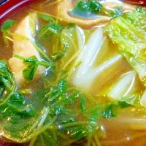 油揚げと白菜・豆苗の味噌汁