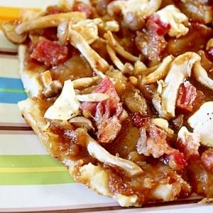 残りのカレー×きのこ×ベーコン×クリームチーズピザ
