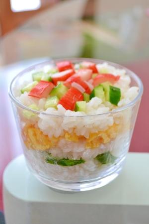 *カップ寿司*
