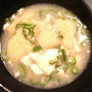 【ホッとする】とろり田舎風 オクラと豆腐のお味噌汁