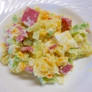 ブロコ茎とビヤハム、卵のポテトサラダ
