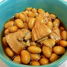 栄養たっぷり☆じっくり煮込んだ鶏胸肉と大豆の煮物