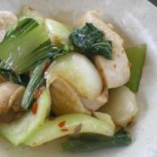 青梗菜と鶏肉の食べるラー油炒め