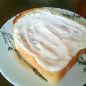 ココナッツ風味のヨーグルトトースト